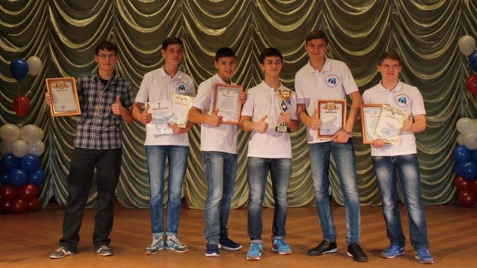 Аннинские школьники стали победителями зональной олимпиады по избирательному праву