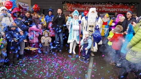 Штаб-квартира Деда Мороза из Великого Устюга открылась на Центральном рынке Воронежа