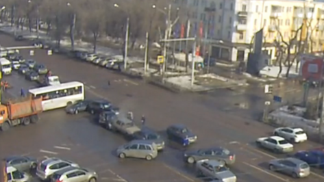 В Воронеже массовое ДТП на Московском проспекте попало на видео