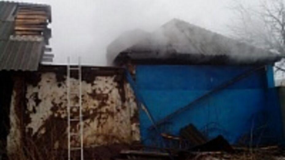 В Таловском районе на пожаре пострадал человек