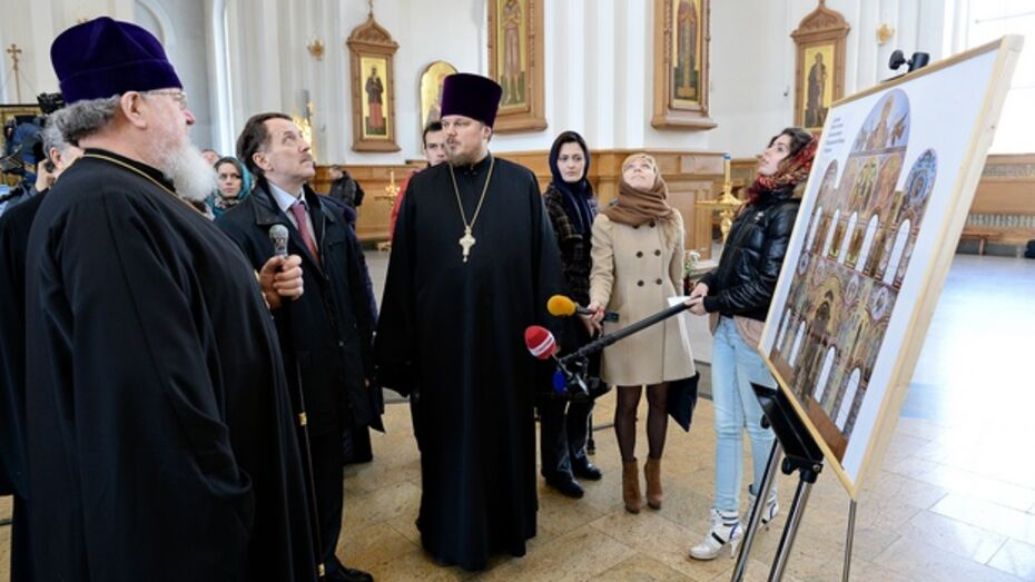 Алексей Гордеев оценил результаты первого этапа росписи Благовещенского кафедрального собора
