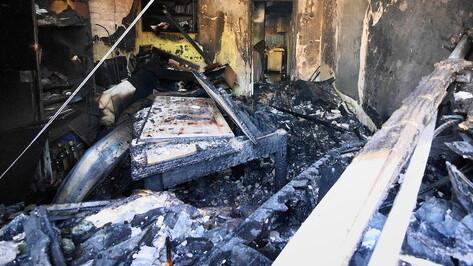 Пожар вспыхнул новогодним утром в 9-квартирном доме в Воронежской области