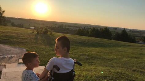 Не сдаваться. Как преодолевает трудности воронежская многодетная семья с сыном-инвалидом