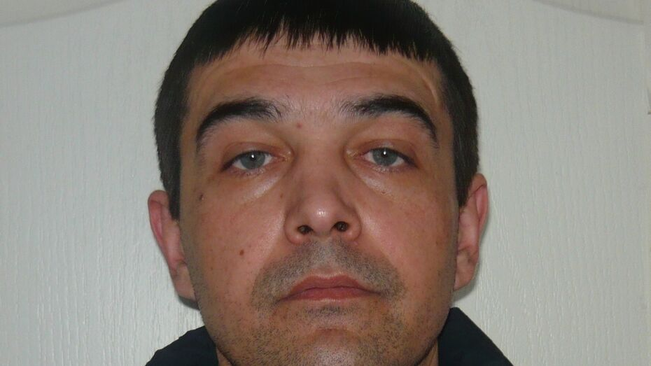 В Россоши полиция ищет похитившего оружие 34-летнего мужчину