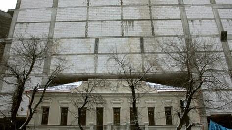Подрядчик стройки в Воронеже попал под статью за гибель таджика-сантехника