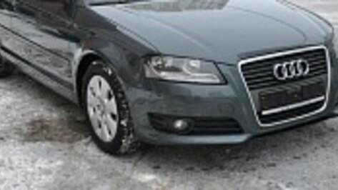 Под Воронежем неизвестный мужчина погиб под колесами Audi