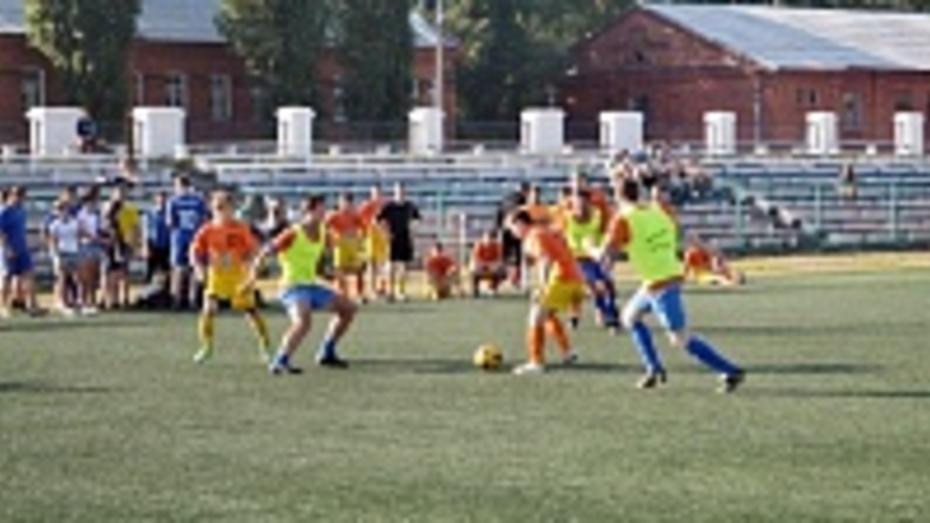 Футболисты Сбербанка победили в Лиге «безгалстука»