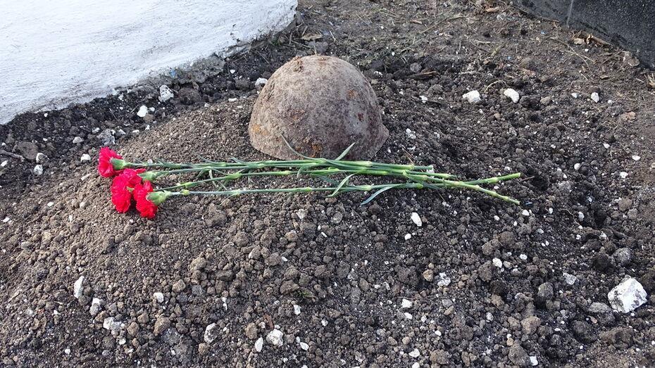 Останки неизвестного солдата захоронили в хохольском хуторе Россошка