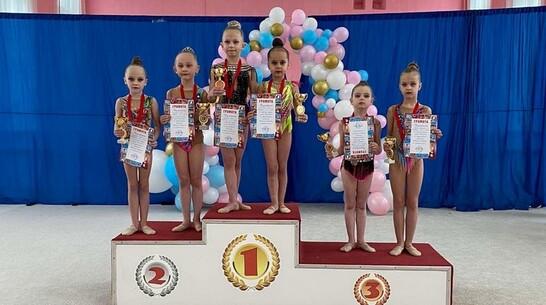 Юные грибановские гимнастки взяли 16 медалей открытого первенства в Балашове