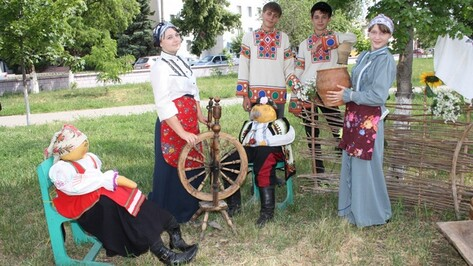 Богучарцы отметили День рождения Михаила Шолохова