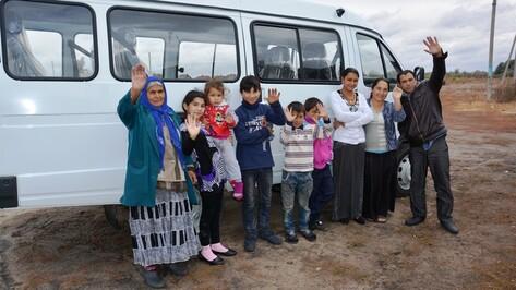 Две семьи из Поворинского района получили микроавтобусы