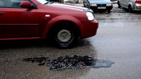 Дорожники объяснили видео об укладке асфальта в дождь в Воронежской области