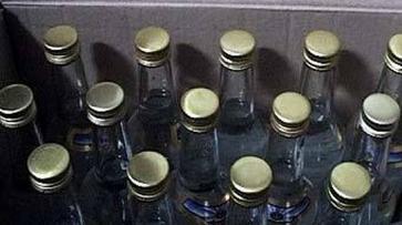 Жительница Нижнедевицкого района заплатит 30 тысяч рублей за торговлю контрафактным алкоголем