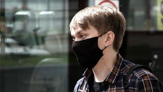 Роспотребнадзор: маска почти в 2 раза снижает вероятность заразиться ОРВИ