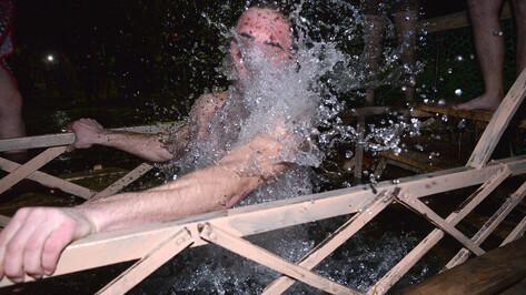 Минздрав: купающимся на Крещение стоит быть осторожными при вакцинации от COVID-19
