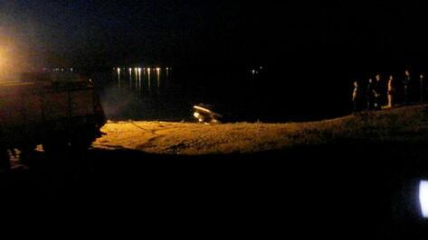 Затонувший после ЧП на воронежском водохранилище катер достали с помощью «КамАЗа»