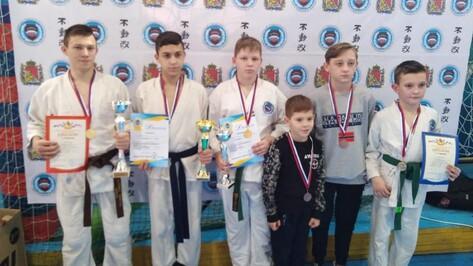 Верхнехавские каратисты завоевали 3 «золота» областных соревнований