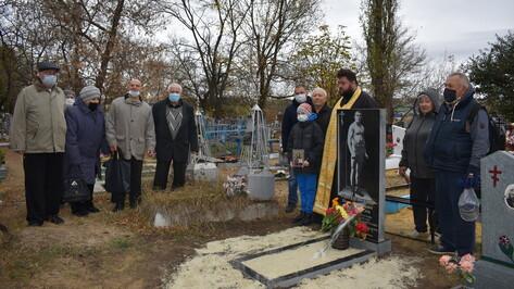 Калачеевцы сделали памятник земляку – цирковому атлету и борцу Петру Гвоздевскому