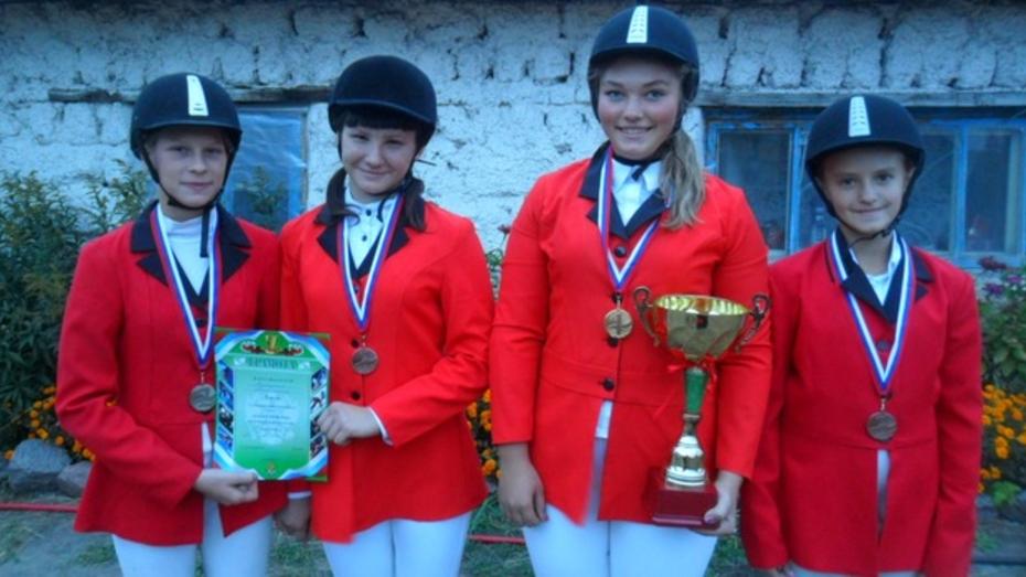 Павловская спортсменка завоевала Кубок губернатора Белгородской области по конному спорту