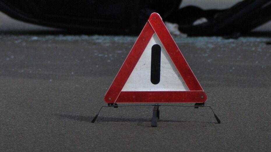 В Россоши на улице Мира столкнулись 4 автомобиля