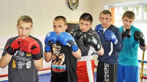 Боксеры из Бутурлиновки завоевали «золото» и четыре «серебра» на региональном турнире