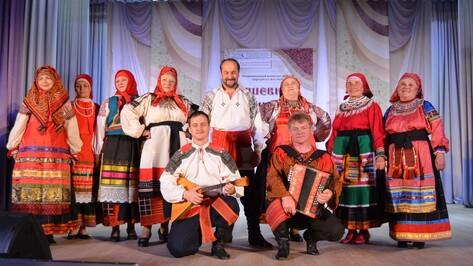 Репьевцы победили в региональном конкурсе «Душевные наряды»