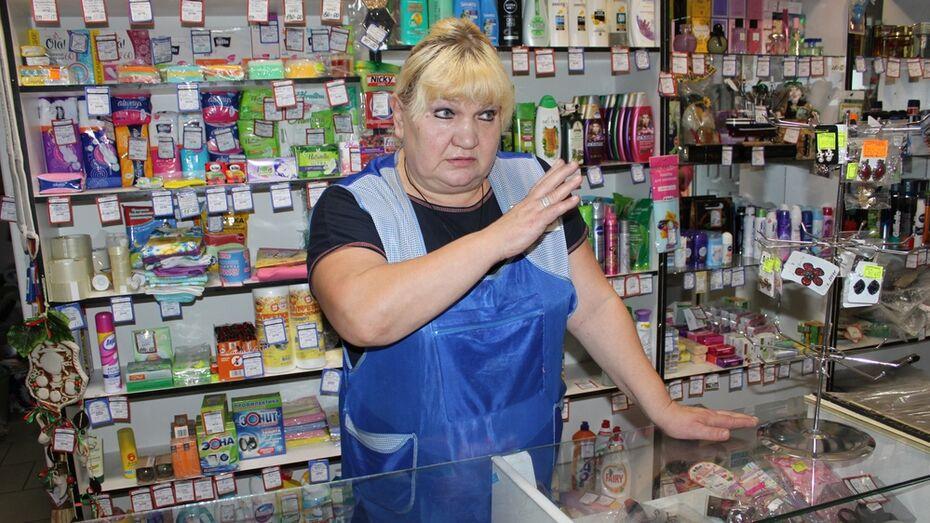 В Панинском районе продавец задержала 2 грабителей