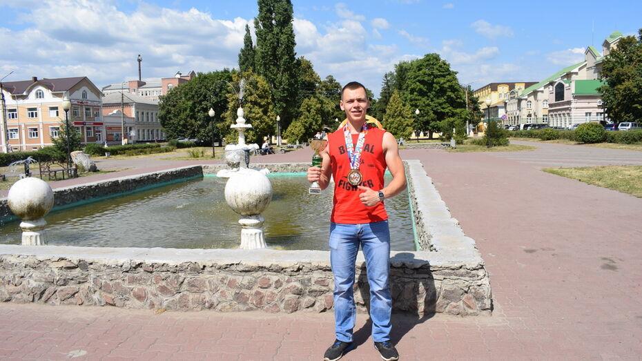 Спортсмен из Борисоглебска побил мировой рекорд по становой тяге