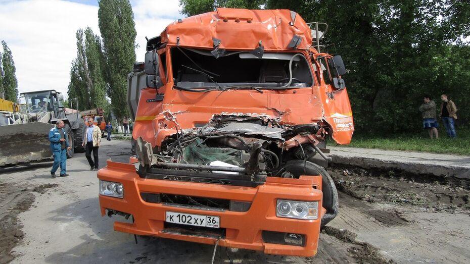 Очевидец рассказал о столкновении поезда и «КАМАЗа» в Воронежской области