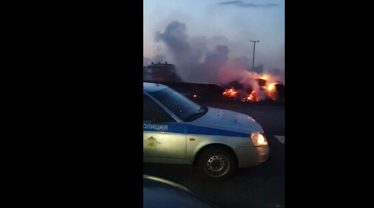 Грузовик с сеном загорелся на трассе в Панинском районе