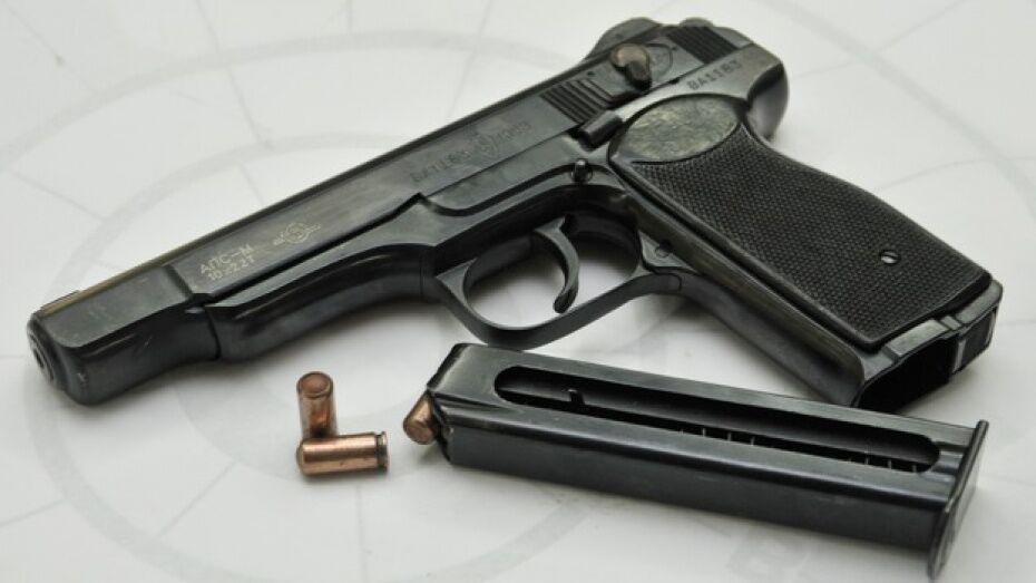 В Воронеже экс-милиционер выстрелил в помешавшую ему иномарку