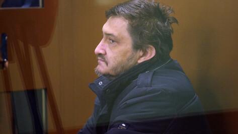 В Воронеже водителя Mercedes, который сбил курсанта МЧС, обвинили в покушении на убийство