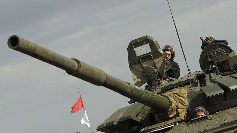 В Воронежской области мотострелки ЗВО отработали проведение марша на 20 км