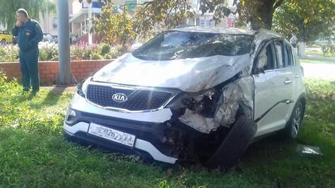 В Эртиле столкнулись Kia Ceed и Kia Sportage: пострадал один из водителей