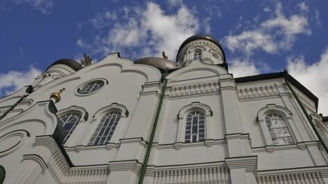 На стенах Благовещенского собора изобразят жития воронежских святых