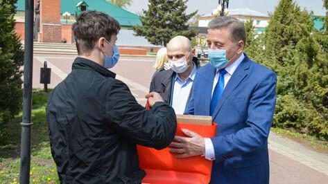 Воронежский сенатор Сергей Лукин поддержал акцию #ПомогиУчитьсяДома