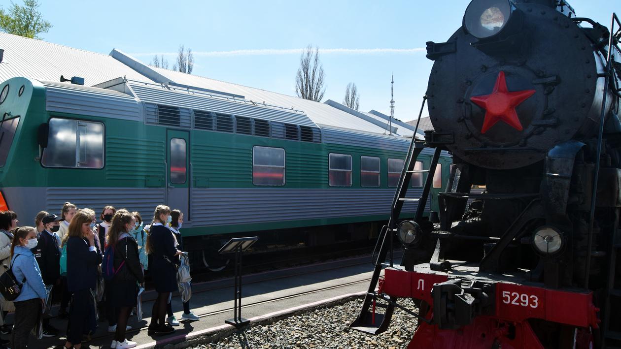 Осторожно, поезд! Воронежским школьникам напомнили правила поведения на железной дороге
