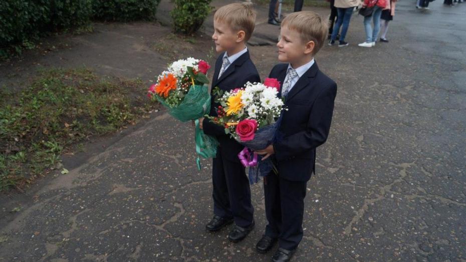 «Карманов не хватает». Что рассказали воронежские родители и дети о школьной форме