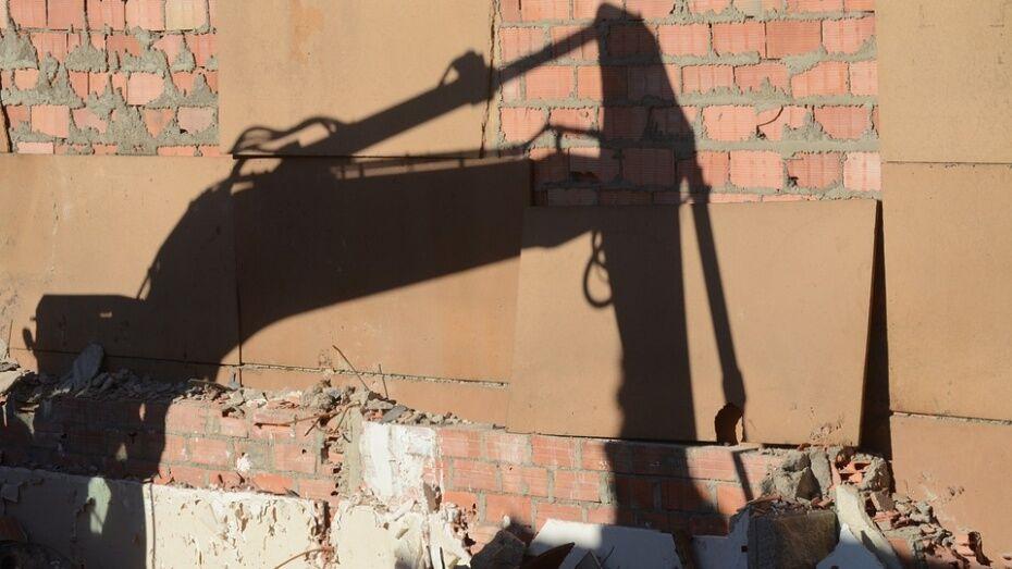 В Воронежской области на предприятии погрузчик раздавил женщину