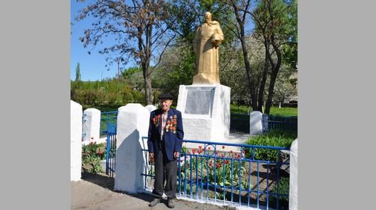 Новую скульптуру воина-освободителя установят на братской могиле в репьевском селе Россошки