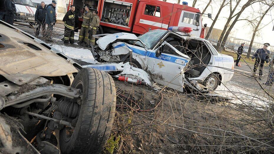 В сети появилось видео ДТП с участием машины ГИБДД в Воронеже