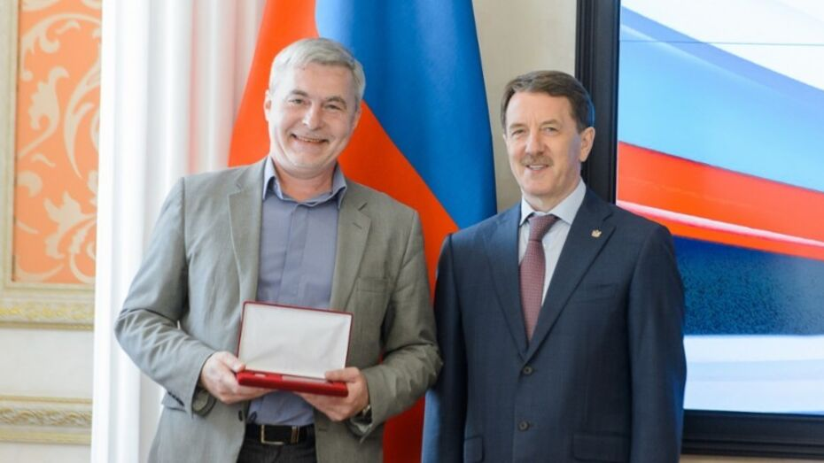 Редактор «Воронежского курьера» получил почетный знак «Заслуженный работник медиаотрасли»