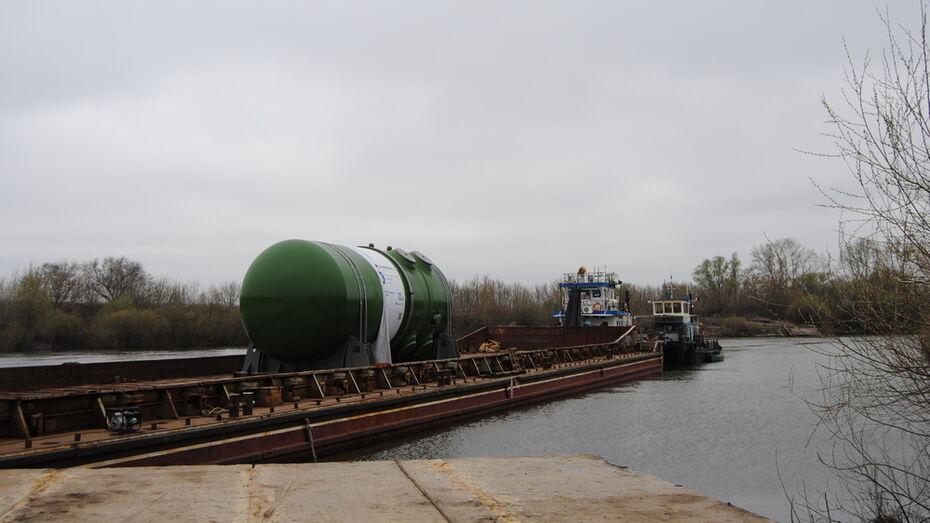 Корпус атомного реактора для Курской АЭС-2 проплыл по Дону через Воронежскую область