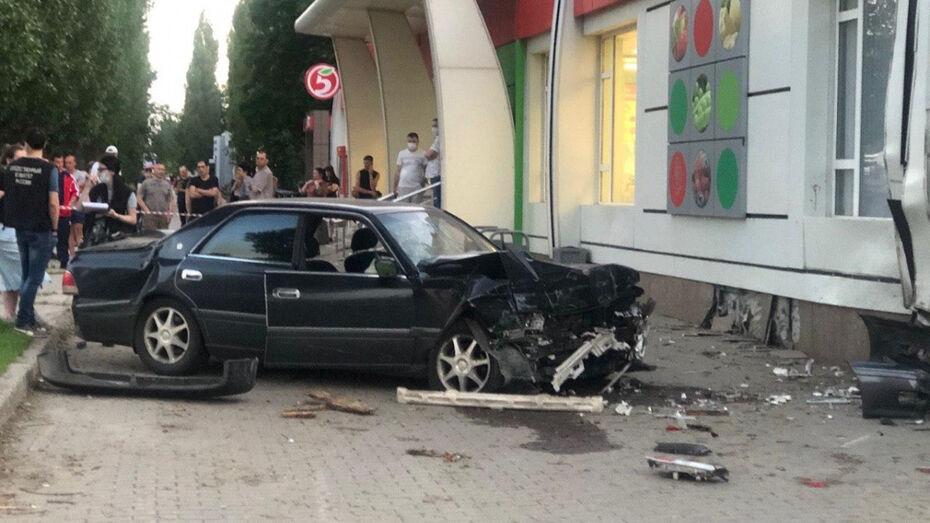 После смертельного ДТП с полицейским в Воронеже возбудили уголовное дело