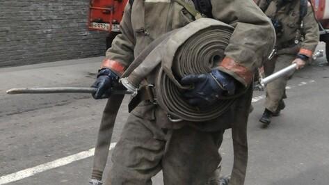 В Лисках ночью сгорел автомобиль «ВАЗ-21102»