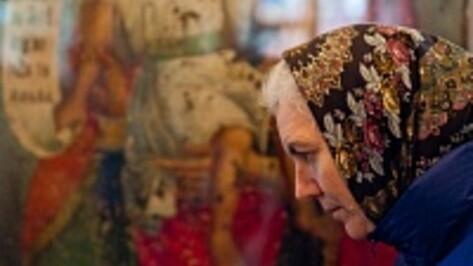 Выставка чтимых икон Богородицы открылась в Успенском храме Воронежа