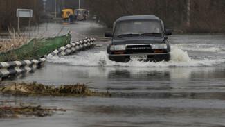 В Воронежской области мост через реку Хопер ушел под воду