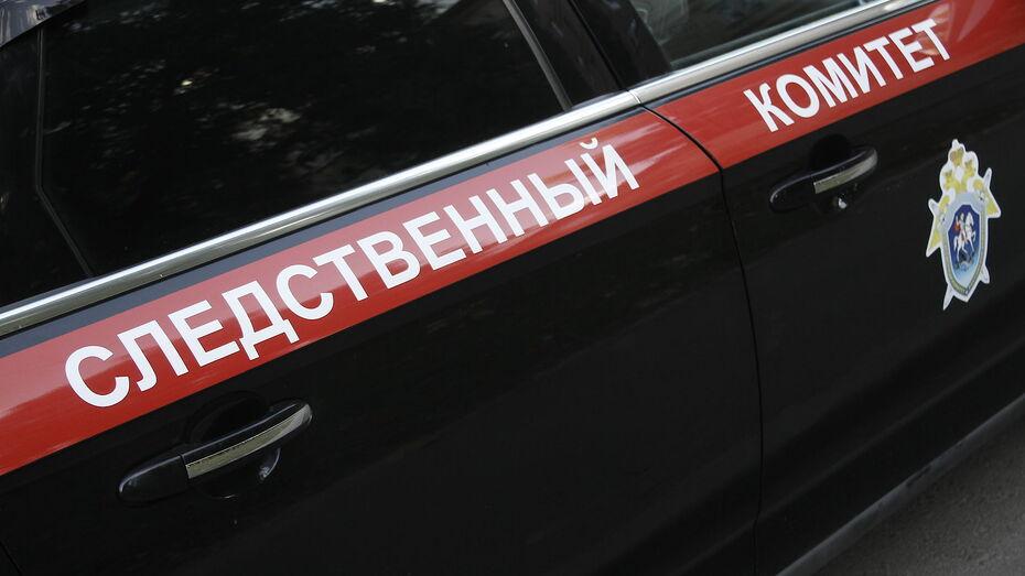 Тело 33-летней женщины обнаружили под окнами многоэтажки в Воронеже
