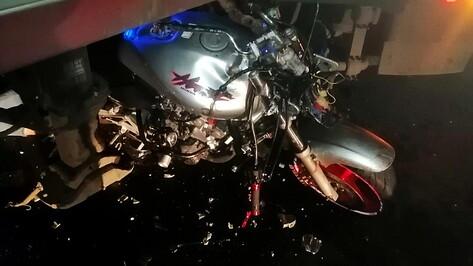 В ДТП в Воронежской области погибли 18-летние парень и девушка