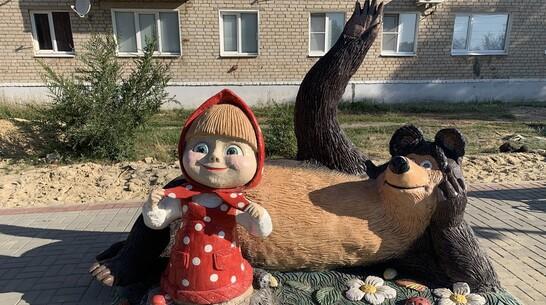 В Поворино установили фигуры героев известного детского мультфильма
